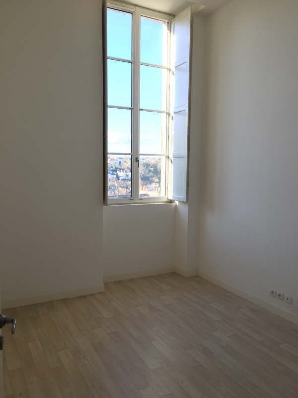 Location appartement Poitiers 652€ CC - Photo 4