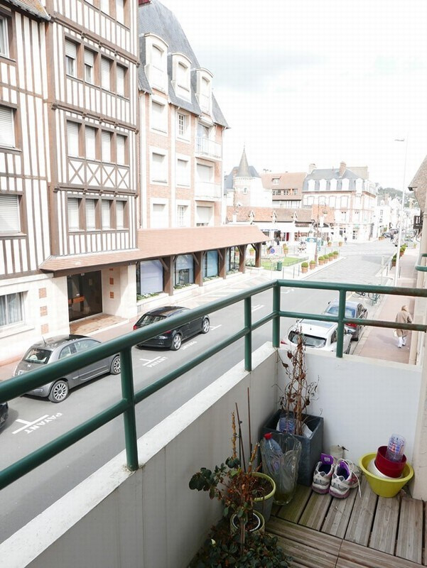 Sale apartment Deauville 424 000€ - Picture 3