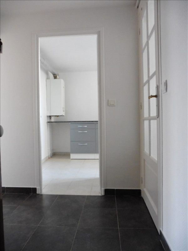Rental apartment St germain en laye 731€ CC - Picture 1