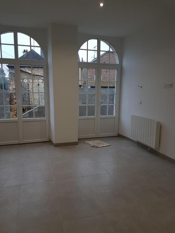Location maison / villa Laval 680€ CC - Photo 2