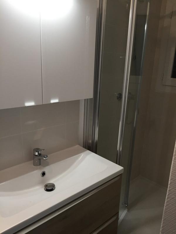 Affitto appartamento Bron 845€ CC - Fotografia 3