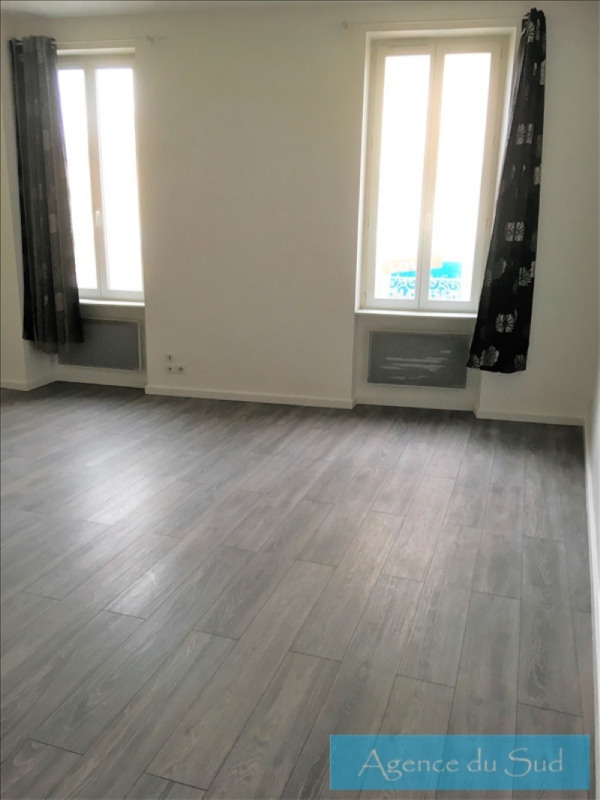 Location appartement Roquevaire 549€ CC - Photo 2