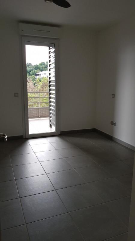 Location appartement St denis camelias 651€ CC - Photo 5