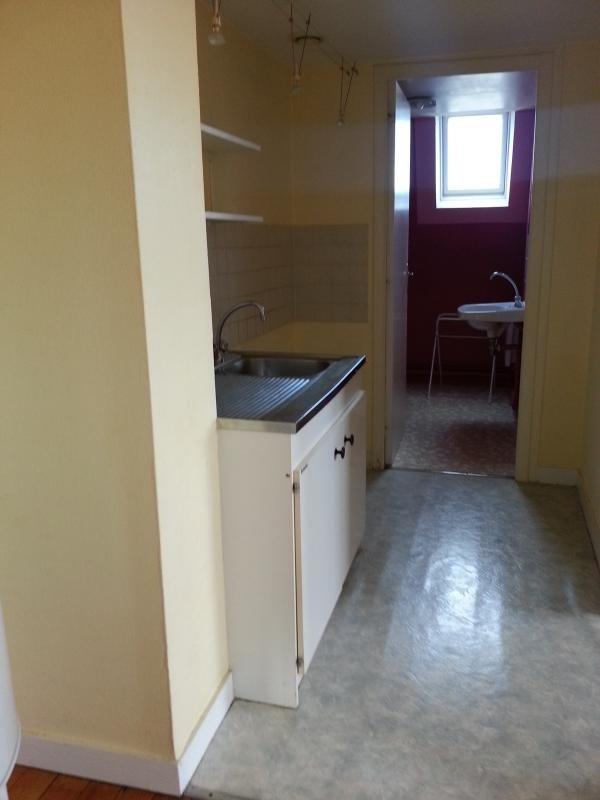 Location appartement Laval 365€ CC - Photo 2