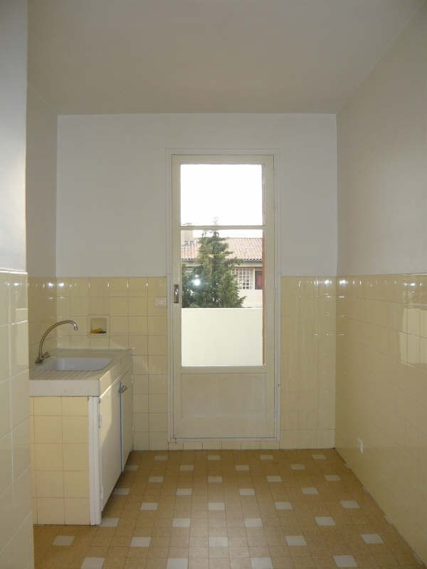 Rental apartment Aix en provence 805€ CC - Picture 3