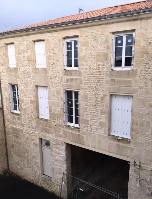 Investment property building Niort 520000€ - Picture 1
