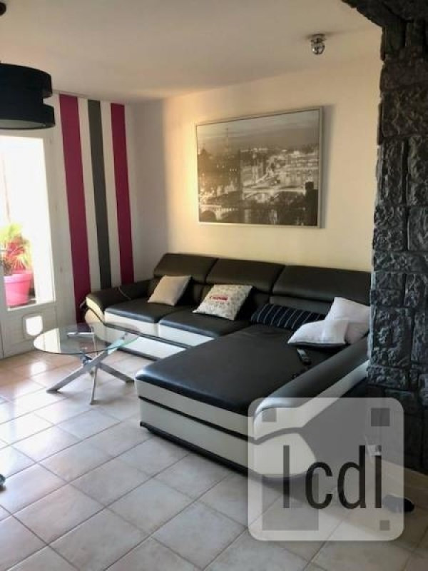 Vente appartement Beaucaire 138 000€ - Photo 2