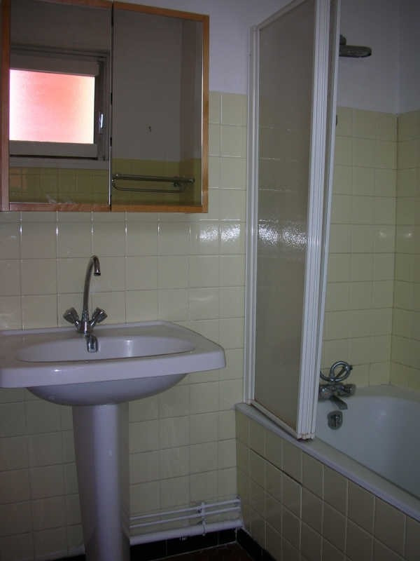Location appartement Le puy en velay 496,79€ CC - Photo 6