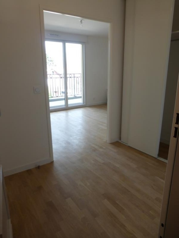 Rental apartment Le raincy 860€ CC - Picture 4