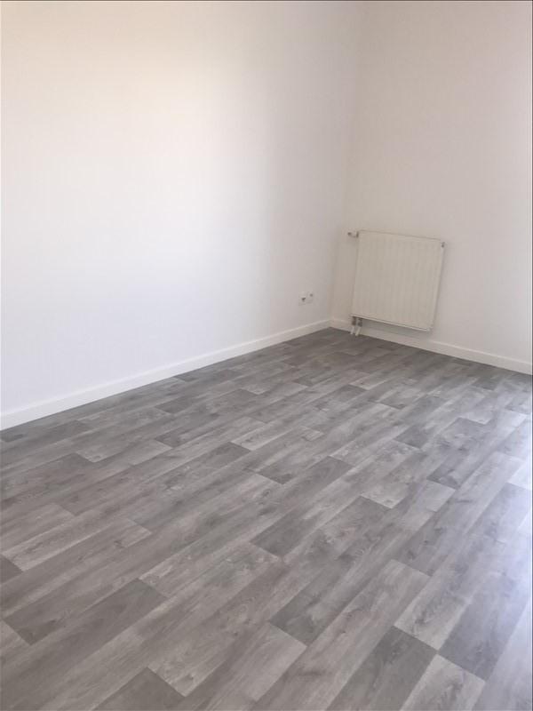 Verhuren  appartement St denis 834€ CC - Foto 4