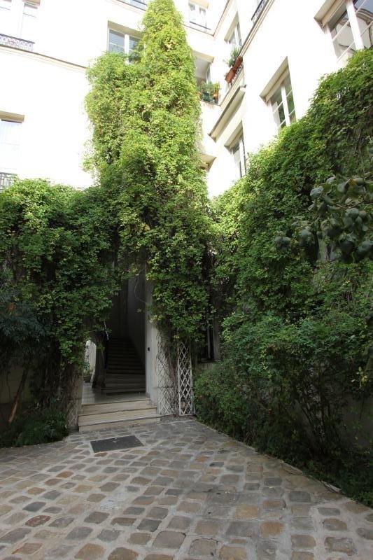 Rental apartment Paris 3ème 1700€ CC - Picture 1