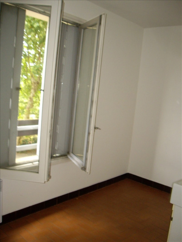 Location appartement Roanne 446€ CC - Photo 2