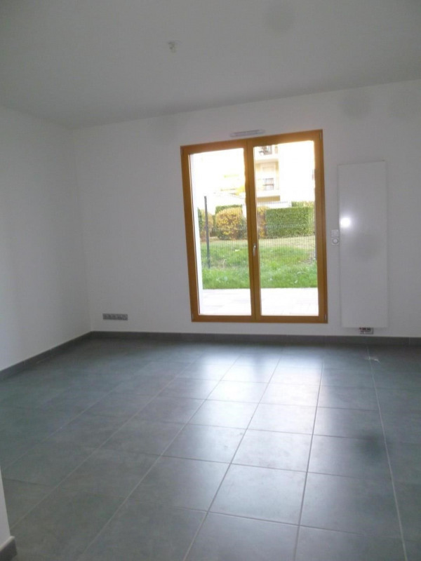 Rental apartment Lyon 3ème 740€ CC - Picture 2