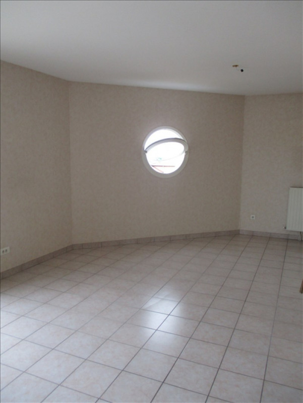 Sale apartment Riorges 117 700€ - Picture 3