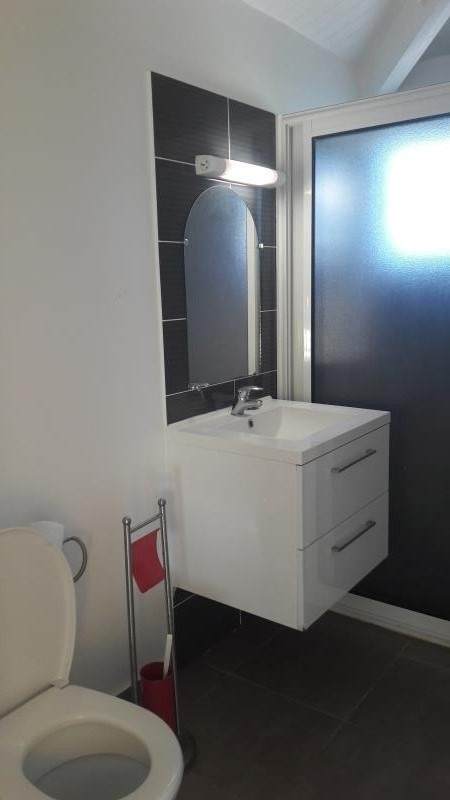 Location maison / villa Le moule 950€ CC - Photo 4