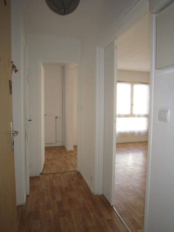Rental apartment Saint-denis 580€ CC - Picture 7