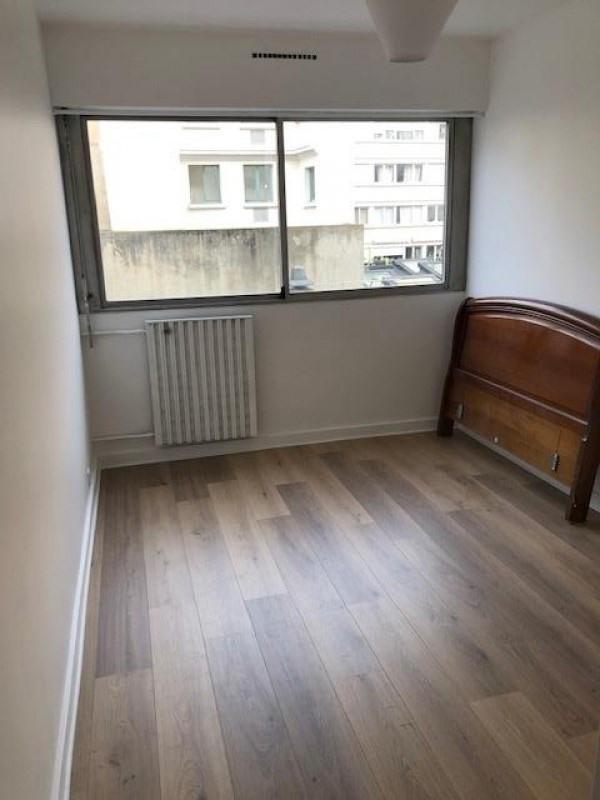 Rental apartment Paris 15ème 1850€ CC - Picture 7