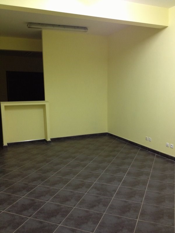 Rental empty room/storage Petite ile 916€ CC - Picture 2