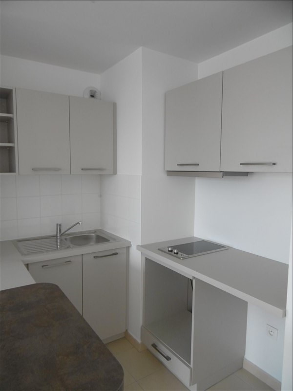 Rental apartment Les ulis 594€ CC - Picture 3