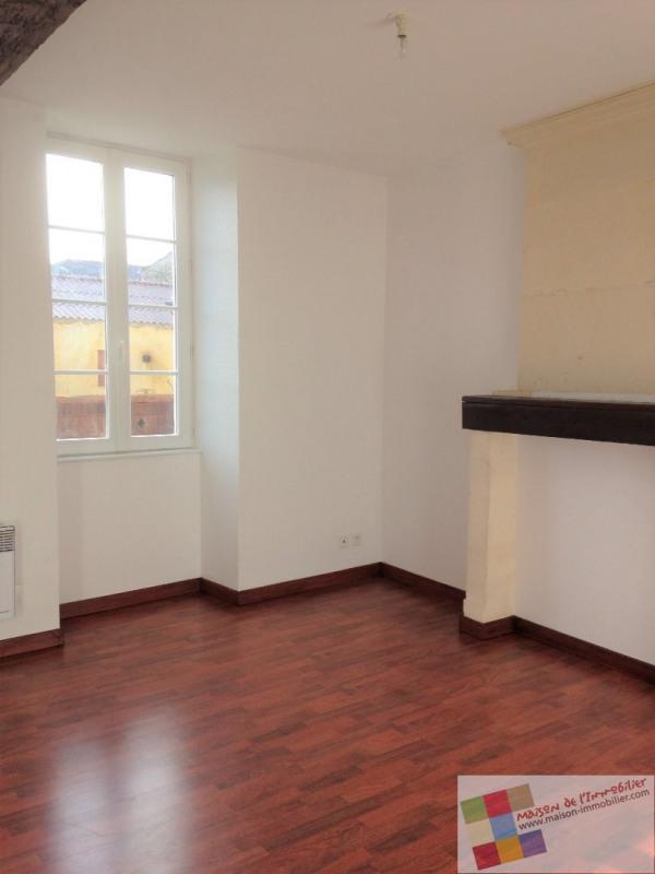 Location maison / villa Burie 437€ CC - Photo 4