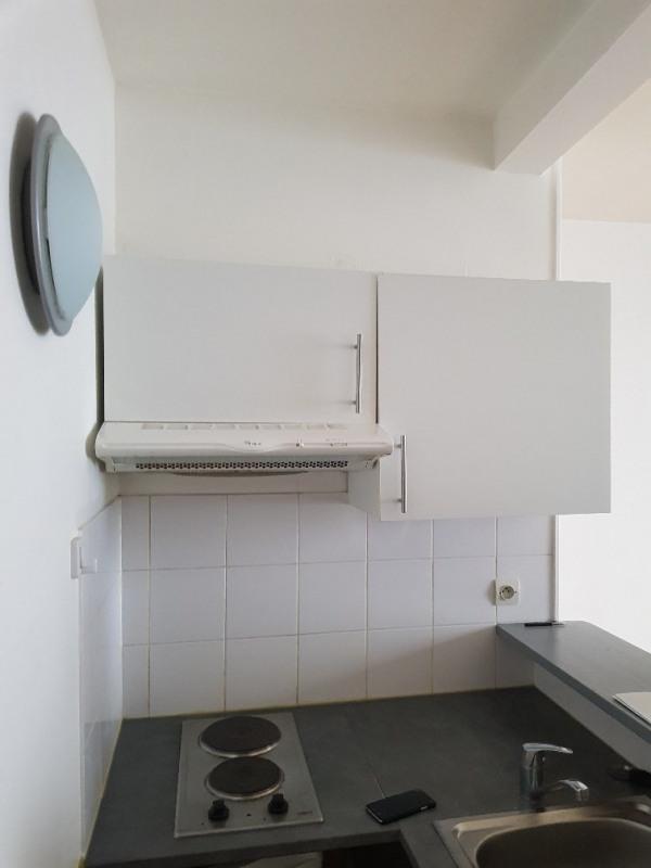 Rental apartment Paris 8ème 905€ CC - Picture 4