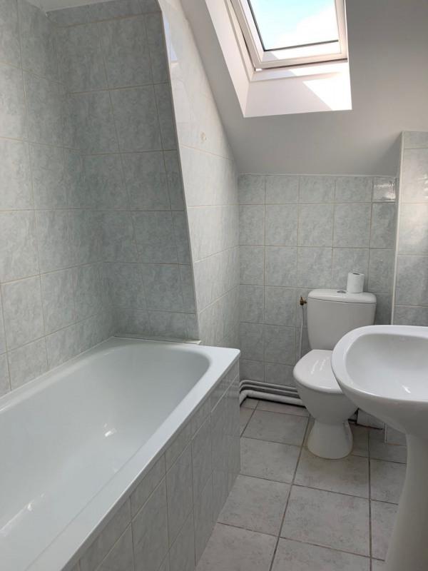 Location appartement La ville du bois 850€ CC - Photo 9