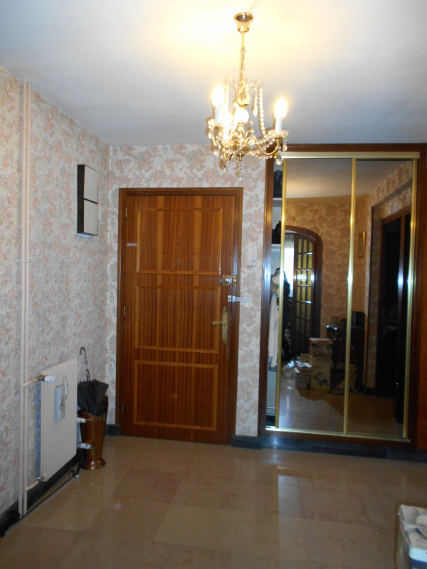 Sale apartment Lons-le-saunier 128000€ - Picture 2