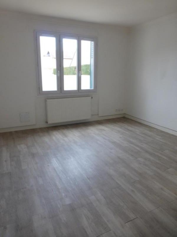 Rental apartment Livry gargan 710€ CC - Picture 2