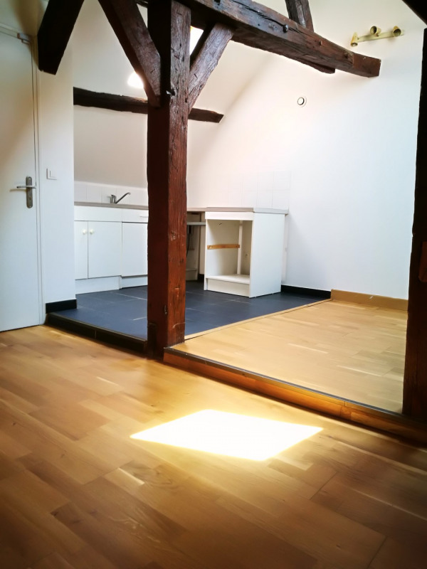 Location appartement Melun 560€ CC - Photo 2