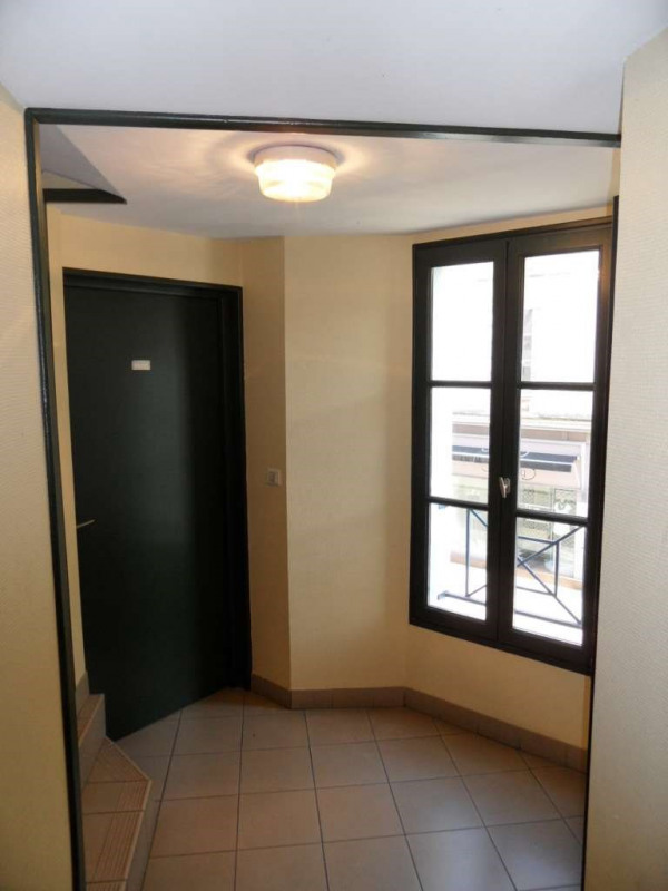Investment property building Laval 1707750€ - Picture 1