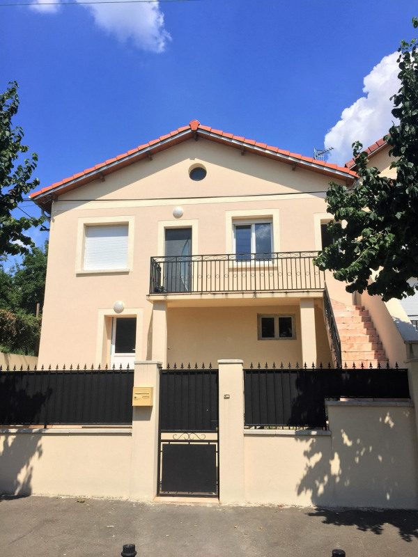 Location appartement Épinay-sur-seine 950€ CC - Photo 1