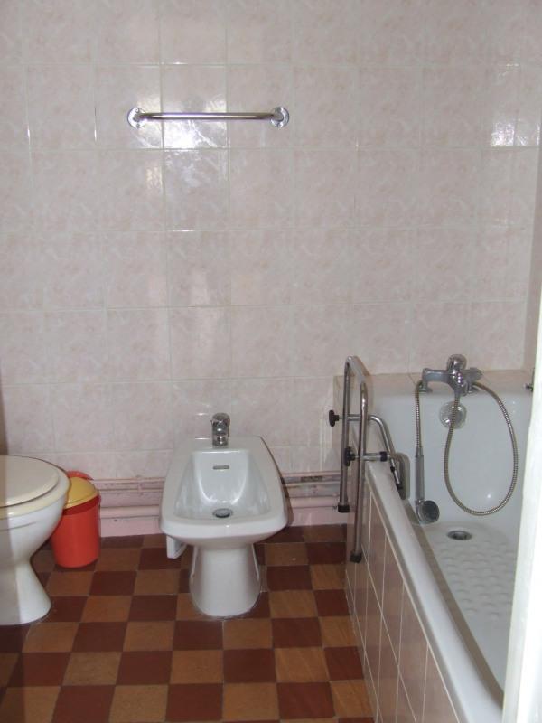 Vente maison / villa Saint etienne du rouray 110000€ - Photo 12