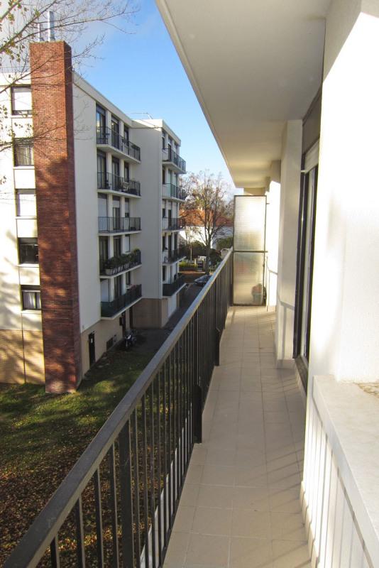 Rental apartment Rueil-malmaison 817€ CC - Picture 6