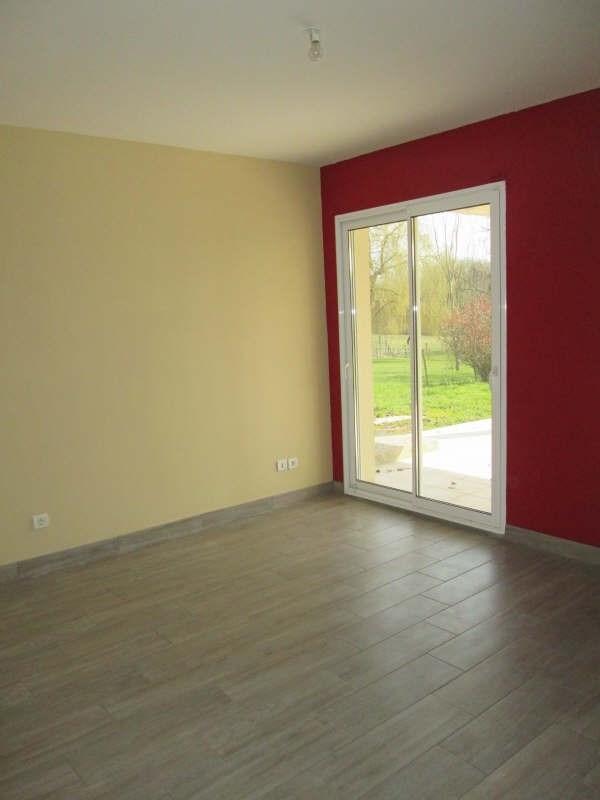Location maison / villa St andre de cubzac 730€ CC - Photo 7