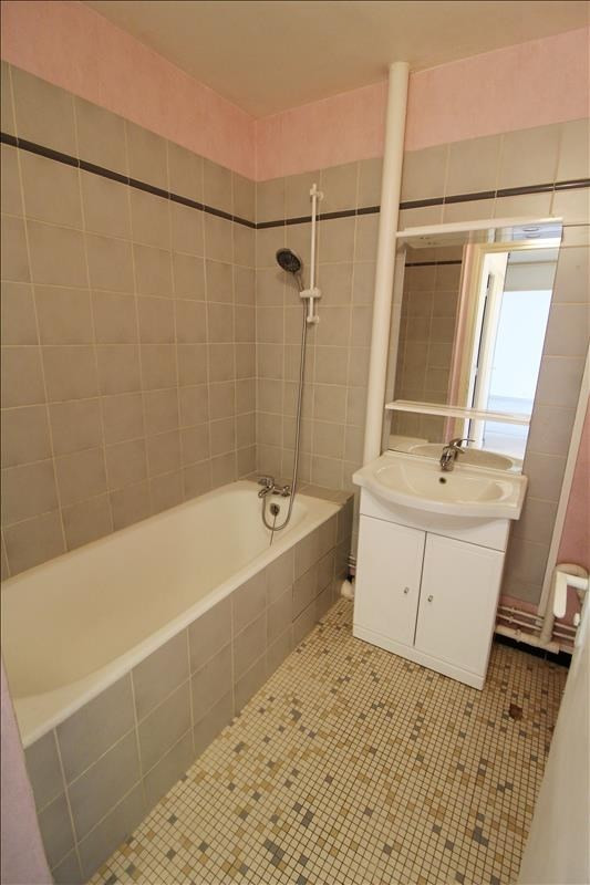 Rental apartment Maurepas 780€ CC - Picture 4