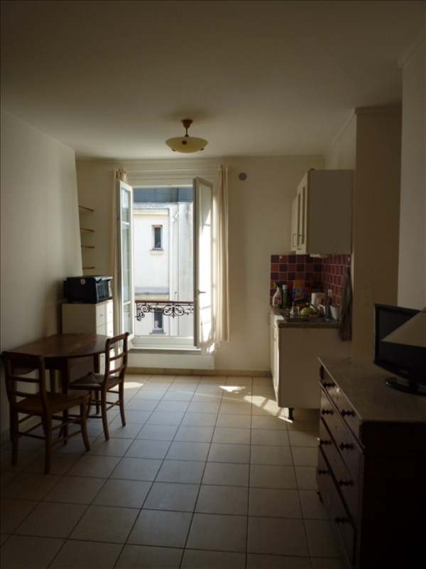 Rental apartment Paris 7ème 898€ CC - Picture 2