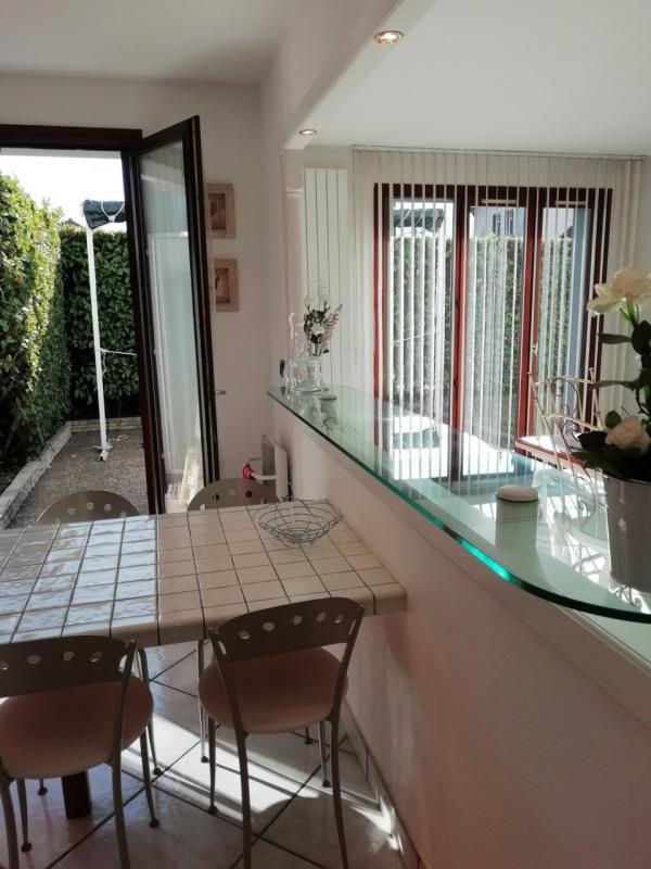 Revenda apartamento Saint-martin-d'hères 210000€ - Fotografia 4