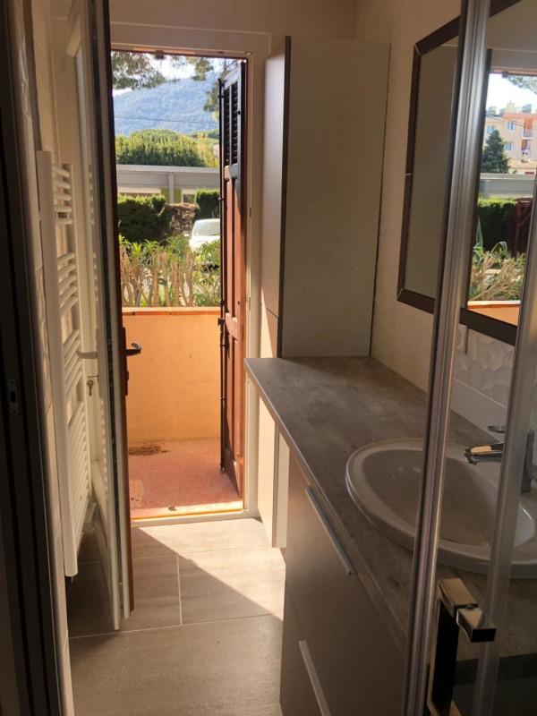 Rental apartment Cavalaire-sur-mer 880€ CC - Picture 7
