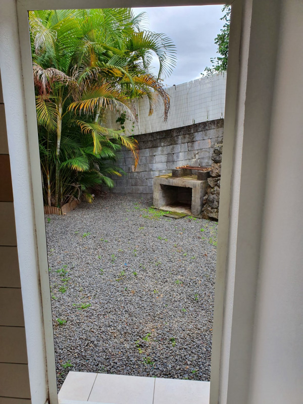 Location maison / villa Le tampon 800€ CC - Photo 5