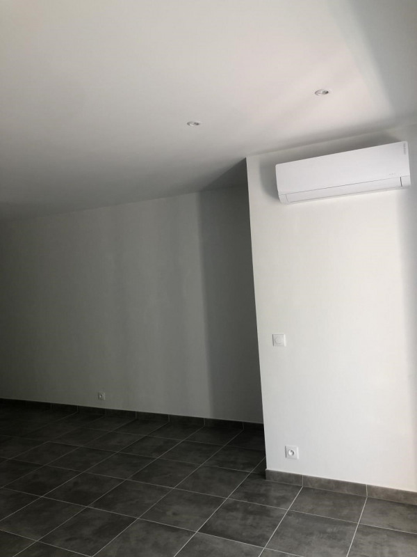 Rental apartment Puget-sur-argens 730€ CC - Picture 4