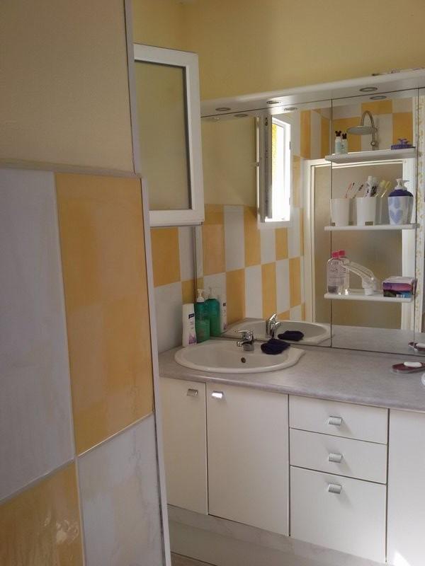 Sale house / villa St genest lerpt 265000€ - Picture 5