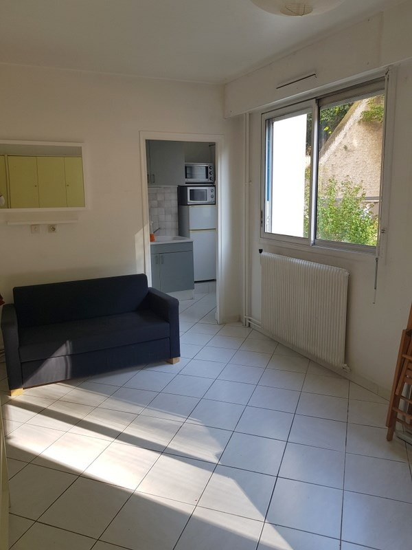 Rental apartment Lyon 4ème 535€ CC - Picture 1