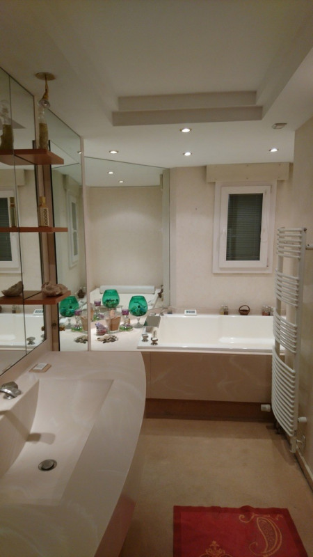 Deluxe sale apartment Gaillard 420000€ - Picture 5