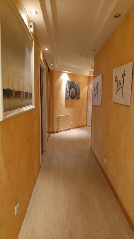 Deluxe sale apartment Gaillard 420000€ - Picture 10