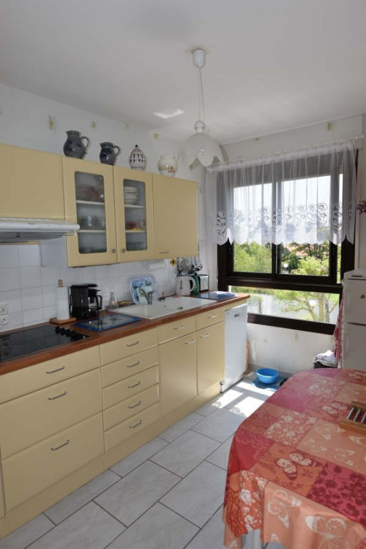 Sale apartment Royan 237 500€ - Picture 3