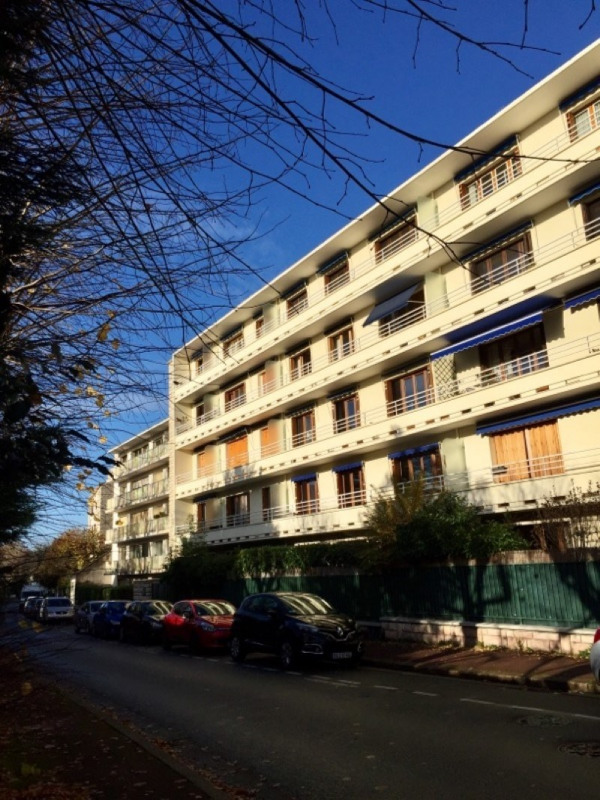 Location appartement Le vesinet 1 250€ CC - Photo 4
