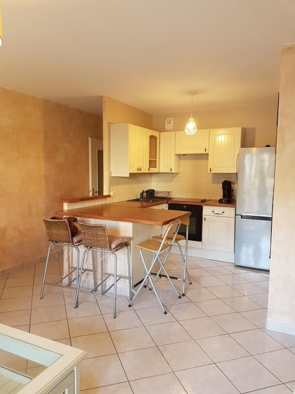 Alquiler  apartamento Tassin la demi lune 780€ CC - Fotografía 1