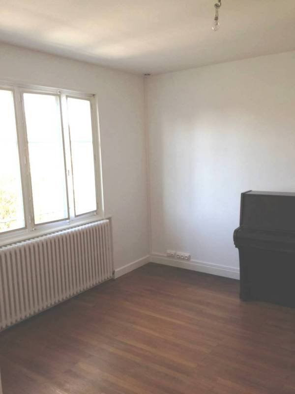 Location appartement Attignat 600€ CC - Photo 5