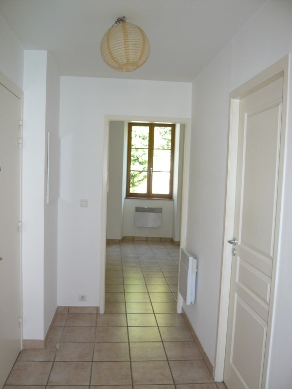 Rental apartment Cremieu 582€ CC - Picture 5