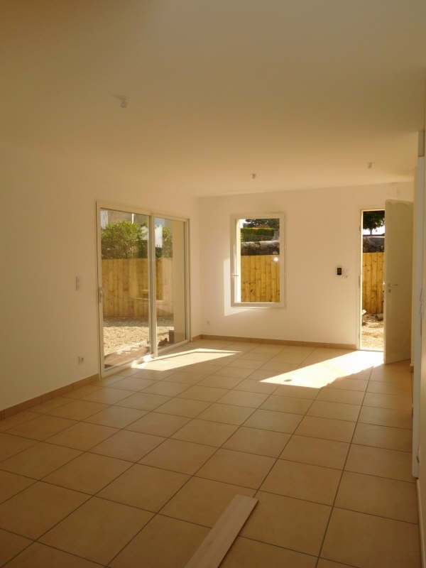 Rental house / villa St gervais 704€ CC - Picture 1